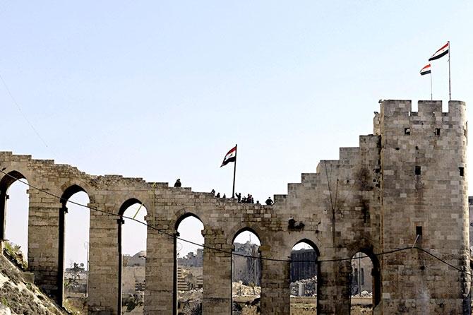 Suriye'nin Halep kentinden geriye kalanlar galerisi resim 4
