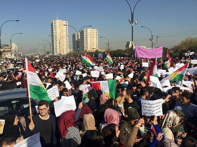 Kürdistan halkı İbadi'yi protesto etti galerisi resim 1