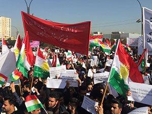 Kürdistan halkı İbadi'yi protesto etti