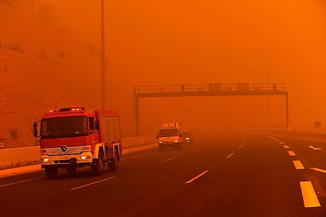 Yunanistan'daki felakette en az 76 kişi hayatını kaybetti galerisi resim 1