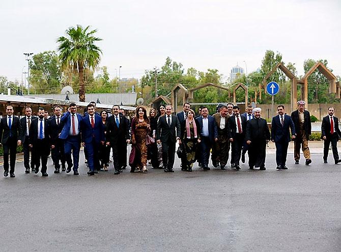Kürdistan Parlamentosu'nun yeni üyeleri yemin etti galerisi resim 2