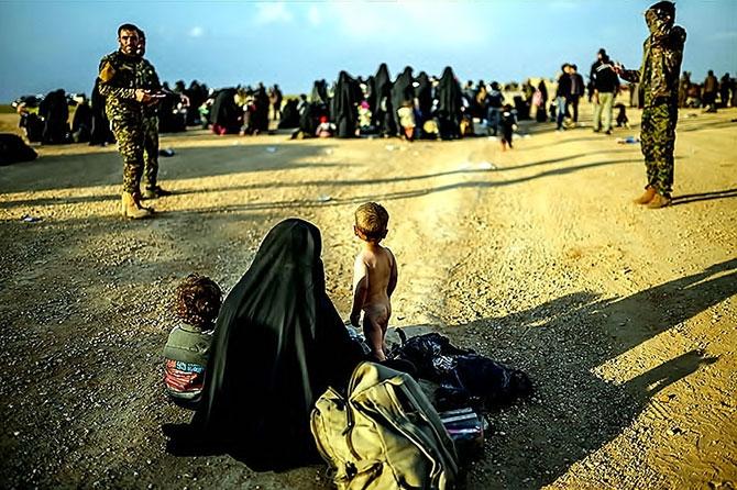 IŞİD'in son mevzisinden kaçış... galerisi resim 24