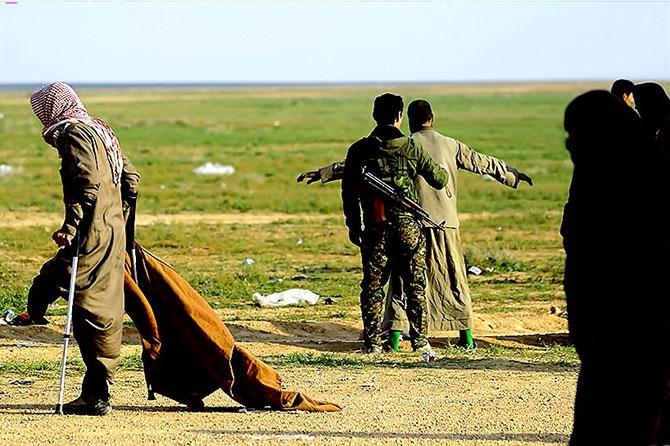IŞİD'in son mevzisinden kaçış... galerisi resim 27