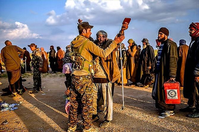 IŞİD'in son mevzisinden kaçış... galerisi resim 5