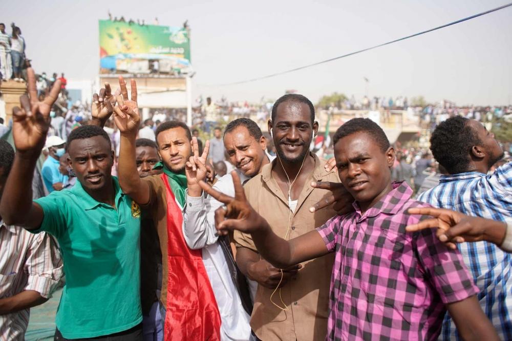 Sudan'da ordu yönetime el koydu: El Beşir tutuklandı galerisi resim 3