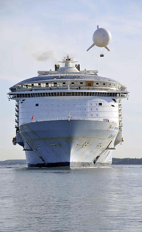 Titanik'ten 5 kat daha büyük galerisi resim 13