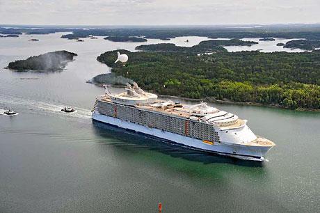 Titanik'ten 5 kat daha büyük galerisi resim 14