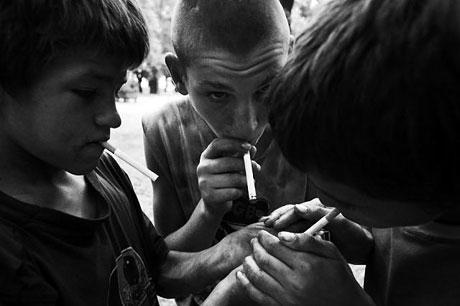 Yeraltında yaşayan sokak çocukları galerisi resim 12