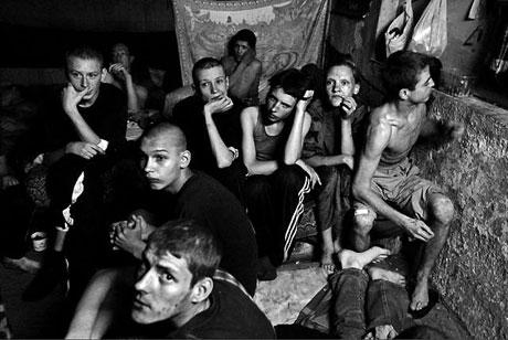Yeraltında yaşayan sokak çocukları galerisi resim 23