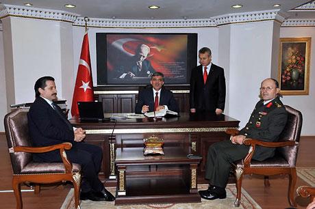 Cumhurbaşkanı Gül'e Tunceli'de Yoğun İlgi galerisi resim 21