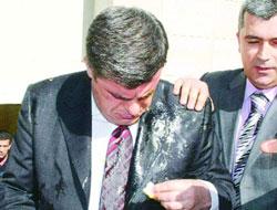 Paranın başkanına yumurtalı saldırı