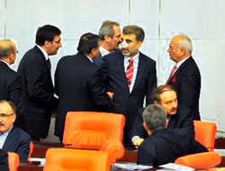 Yıldız'a Meclis'te 'geçmiş olsun' dilekleri