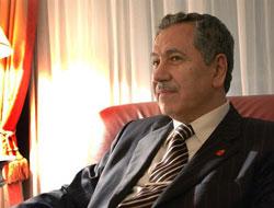 Arınç: 'Abdüllatif Şener'e Üzülüyorum'