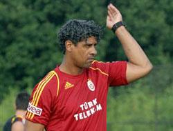 """Rijkaard: """"Transferi kapattık diyemem"""""""
