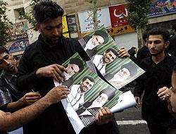 İran'da Seçime Kan Bulaştı