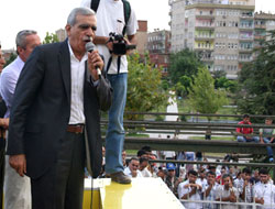DTP'liler Diyarbakır ve Mersin'de yürüdü