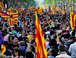 Katalanlar bağımsızlık için yürüdüler