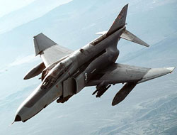 Malatya'da askeri uçak düştü