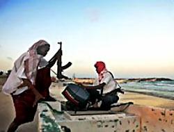 Somali'de korsanlar 37 gemi kaçırdı