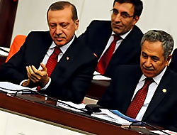 Başbakan da Bahçeli'yi alkışladı