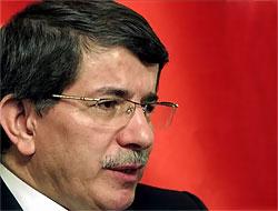 Davutoğlu Ahmedinejad ile görüştü
