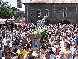 'Barış Elçisi'ni on binler uğurladı