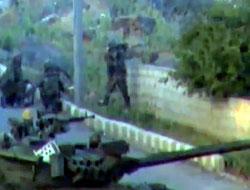 Suriye ordusu tanklarla Dera'ya girdi