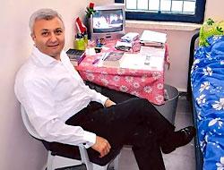 Özkan'ın hücresinden ilk fotoğraflar