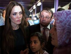 Jolie, Arapça 'Marhaba' dedi!