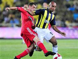 Fenerbahçe ikinci yarı açıldı: 3-0