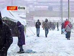 Erciş'te kar yağıyor, sıcaklık -2 derece