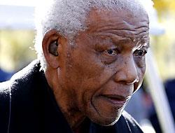 Mandela hastaneye kaldırıldı