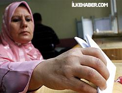 Mısır halkı referandum için sandık başında