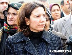 Selma Irmak babasının mezarını ziyaret etti