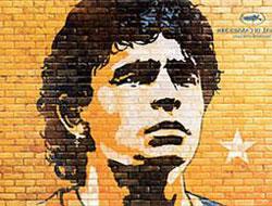 Maradona'nın hüzün dolu şarkısı