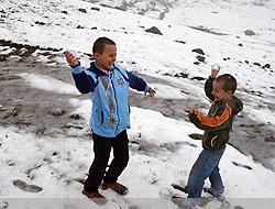 Yılın İlk Kar'ı Erzurum'a Yağdı