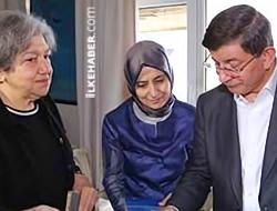Davutoğlu'ndan Yaşar Kemal'in eşine taziye ziyareti