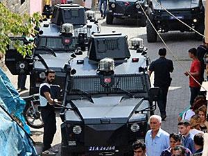 Diyarbakır'da sokağa çıkma yasağı: İki polis hayatını kaybetti