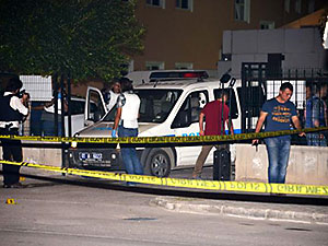 Adana'da silahlı saldırı: İki polis hayatını kaybetti