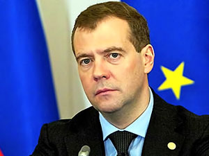 Medvedev: Silah ihracatı 2016'da 15 milyar doları buldu