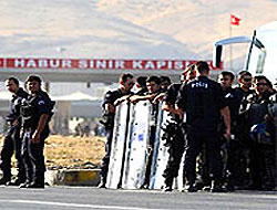 PKK'li gruplar yola çıktı, bekleyiş sürüyor