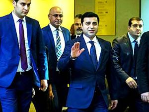Demirtaş, İtalya Dışişleri Bakanı ile görüştü