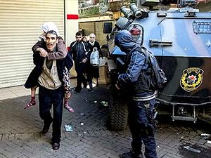 Sur'da haber nöbeti: 'Devlete de öfke var, PKK'ye de'