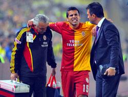 "Fenerbahçe'den Baros'a ""Geçmiş Olsun"""