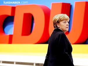 Angela Merkel, başbakanlığa adaylığını açıkladı