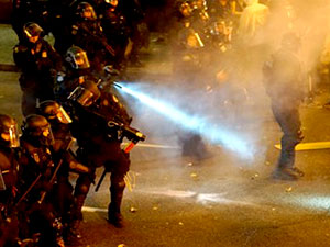 Trump karşıtı gösterici vuruldu