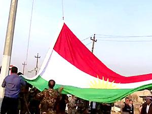 Başika'ya Kürdistan bayrağı çekildi