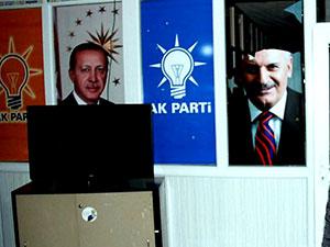 Van'da AKP binasına bombalı saldırı