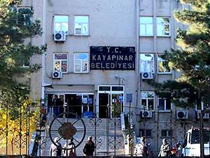 Diyarbakır'da DBP'li 2 belediye başkanına gözaltı