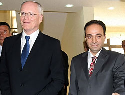 ABD Büyükelçisi'ne Kürtçe 'hoşgeldiniz' karşılaması